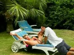 Killer blonde get nailed in tropics