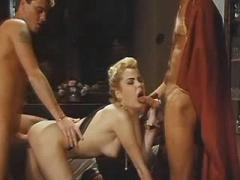 Glamour woman gets facial in fuck and blow threeway