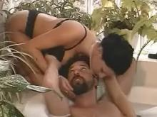 Bloke fucked by darkhaired vixen right in the bath