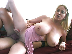 Slutty MIlF Penny Porsche Enjoys Getting Dug & Milked
