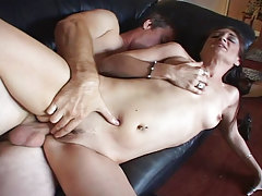 MILF Enjoys A Chubby Dick In Her Snatch While Fucking On Sofa