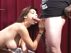 Tera Patrick doing a hot striptease and suck a good shlong !