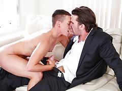 Queer sensation Jiz Lee takes on Manuel in great scene !