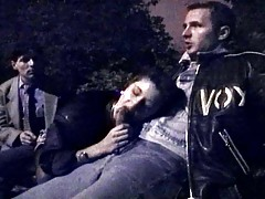 Hot threesome at night under Eiffel tour in this moist movie