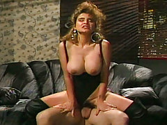 Bawdy doxy in heat shakes her cute ass to have great sex
