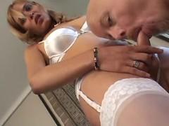 Sexy tranny tempts guy