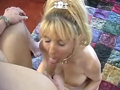 Old woman does blowjob