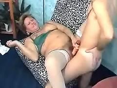 Retired lady gets cumsprayed
