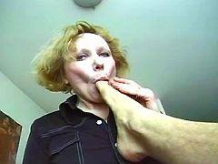 Granny sucks dick n toes