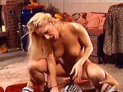 Gorgeous blond slutty getting screwed on the floor