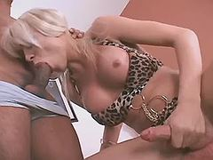 Sexy tranny jerks off n gets blown