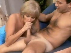 Ardent mom knows how to handle cock
