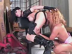 TS gets pleasure from straight girl