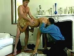 Blond whore serves dudes