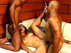 Dark skinned babe in orgy