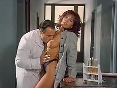 Babe in oral fun w doctor