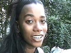 Hot ebony that loves oral