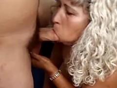 Mature whore make oral